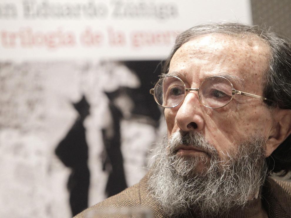 Muere Juan Eduardo Zúñiga.