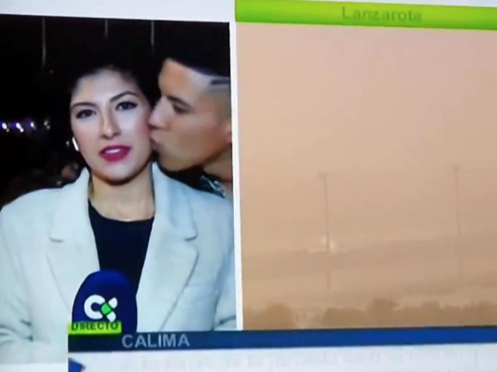 Captura de pantalla del momento en el que acosan a la periodista.