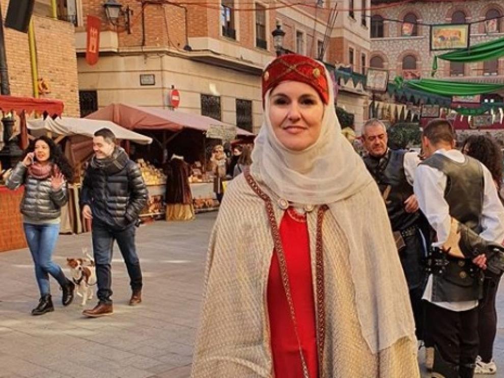 Elena Allué, en la celebración de las Bodas de Isabel, en Teruel, ataviada para la ocasión.