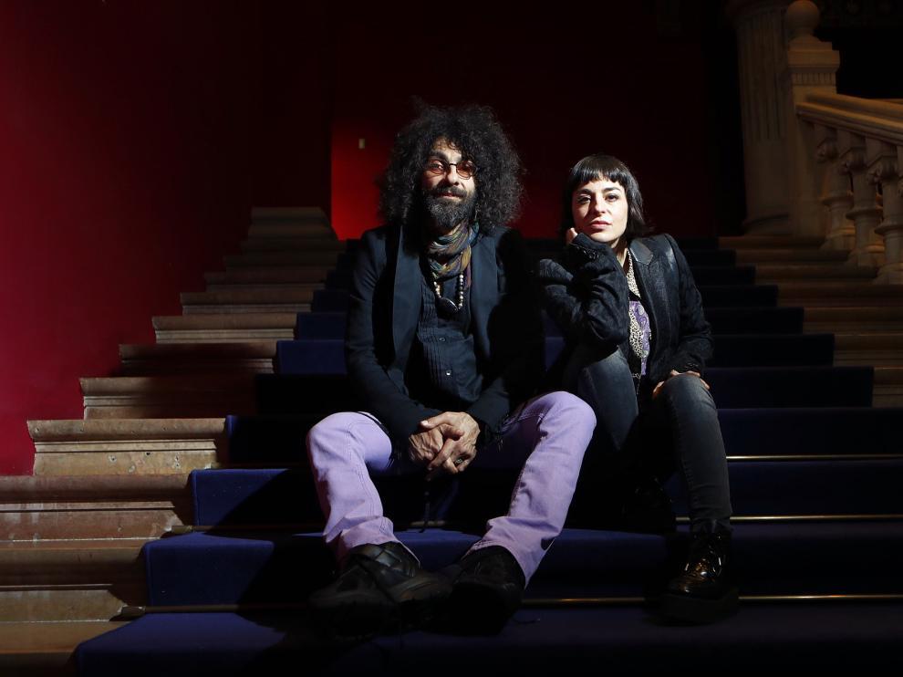 Ara Malikian y Nata Moreno, en el Paraninfo de la Universidad de Zaragoza.