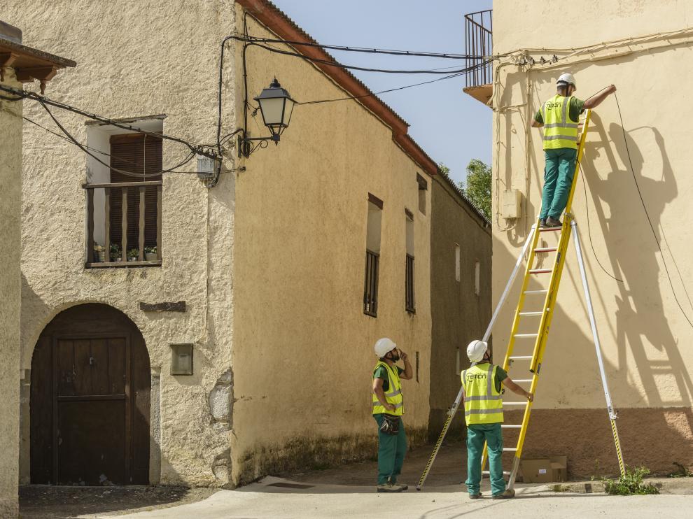 Instalación de la fibra óptica este verano en Bernues