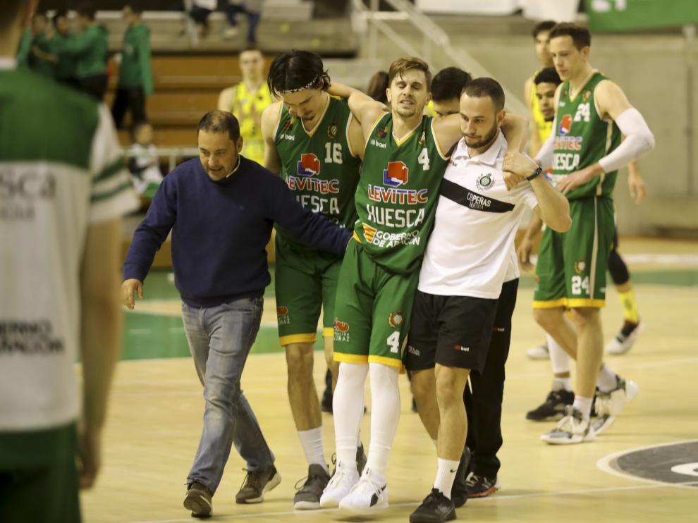 La lesión de Cárdenas ha sido la nota negativa del partido.