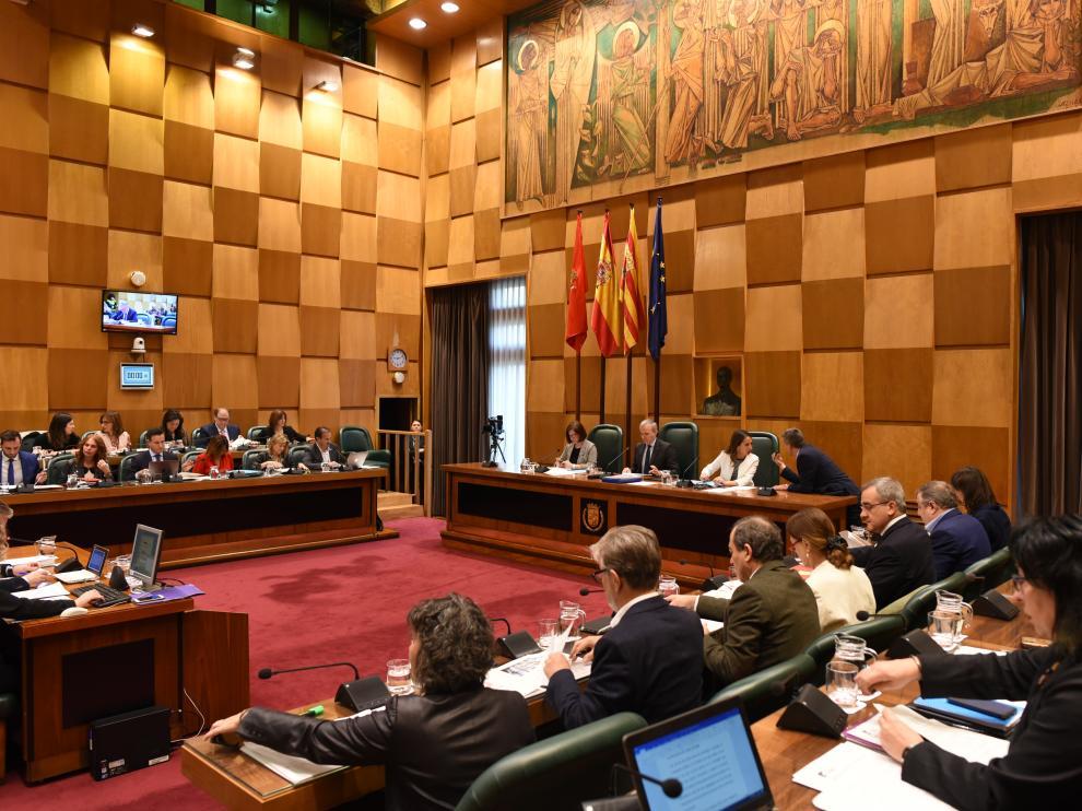 El Pleno del Ayuntamiento de Zaragoza ha aprobado por unanimidad garantizar la continuidad del Espacio Bebé