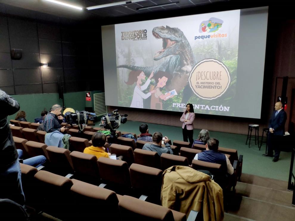 Higinia Navarro, durante la presentación del proyecto Pequevisitas en Dinópolis.