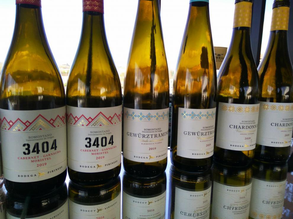 Atractiva imagen de los nuevos vinos de Bodega Pirineos.