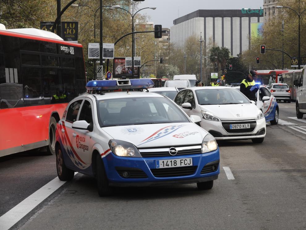 Controles policiales en Zaragoza por el coronavirus.