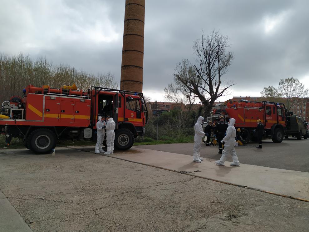 La UME desinfecta el ambulatorio y dos residencias de Tarazona.