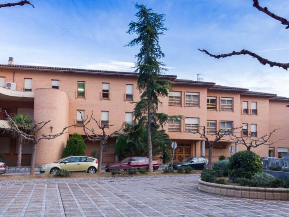El primer caso de coronavirus en La Almunia de Doña Godina se ha dado en la residencia Santa María de Cabañas.