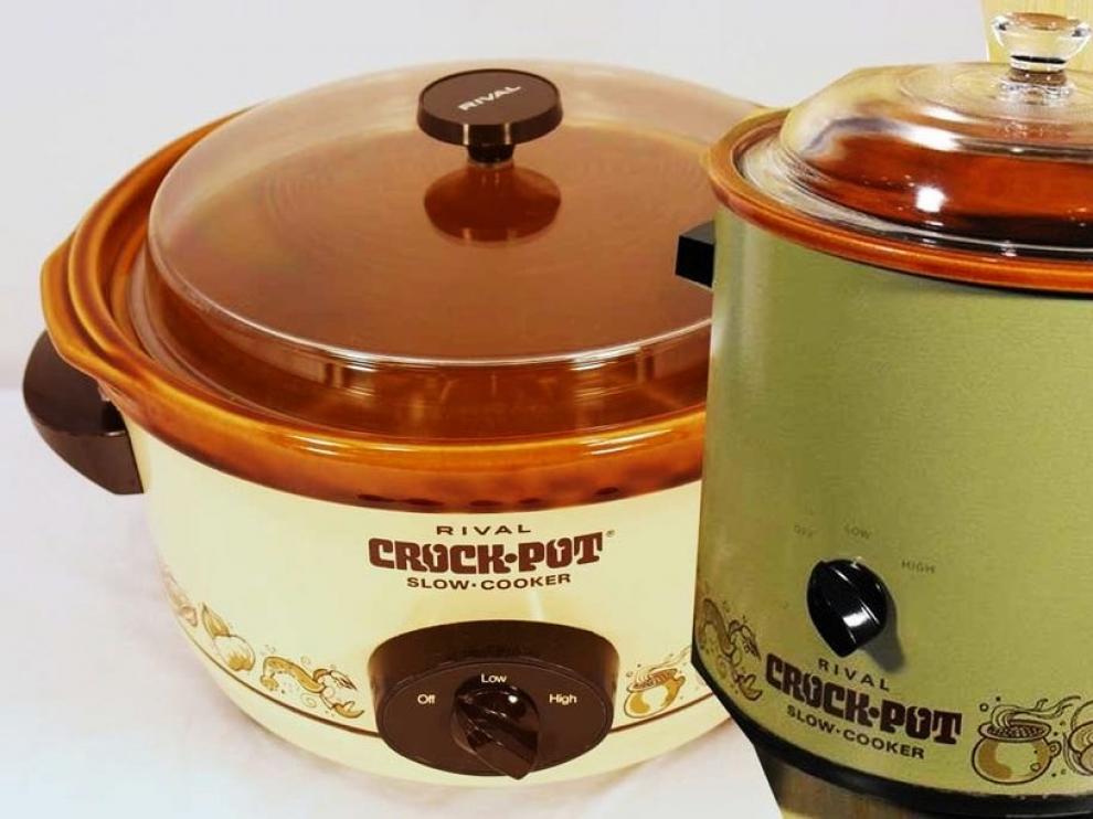 Los dos primeros modelos Crock-Pot, lanzados en 1971.