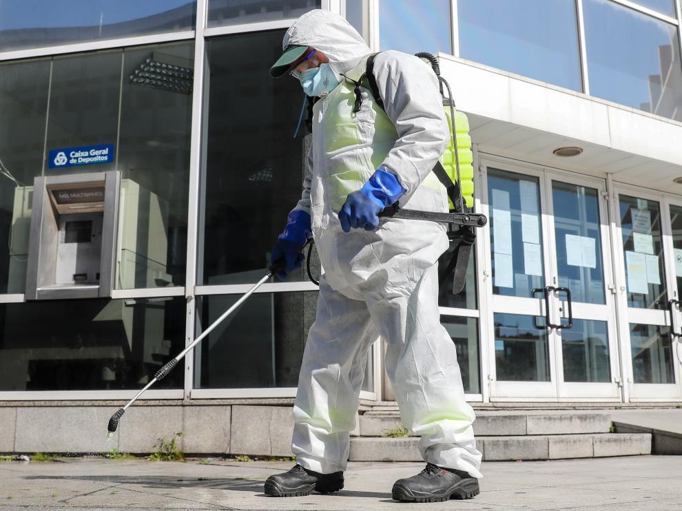 El coronavirus deja ya 30 muertos y más de 2.300 casos en Portugal