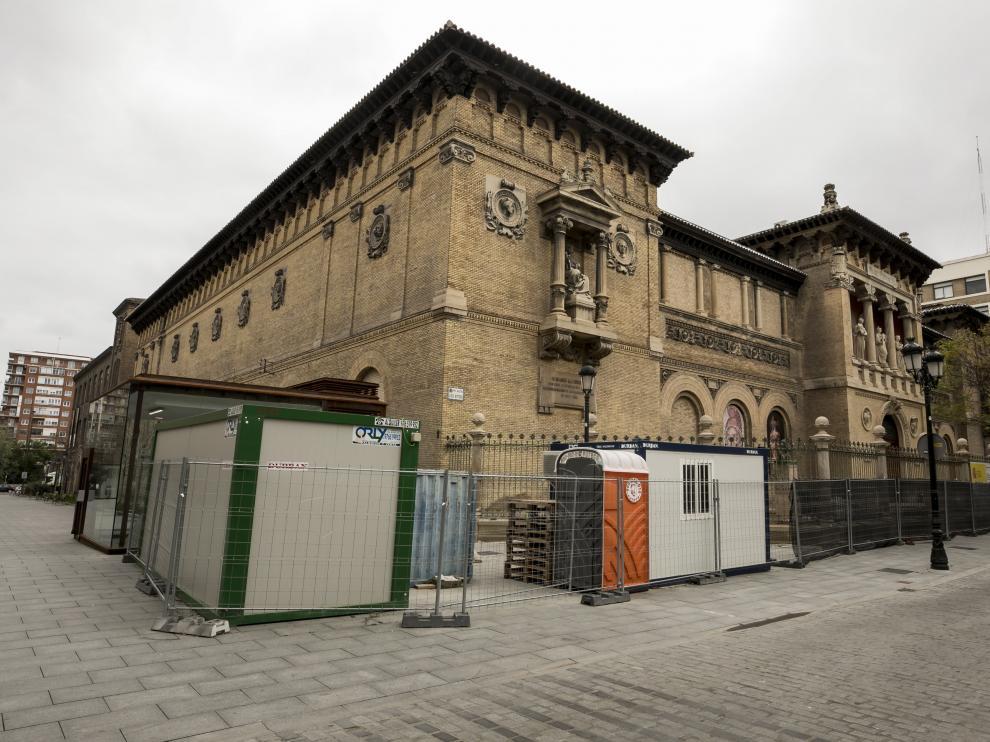 Aspecto que presenta el Museo de Zaragoza tras las suspensión de las obras de restauración