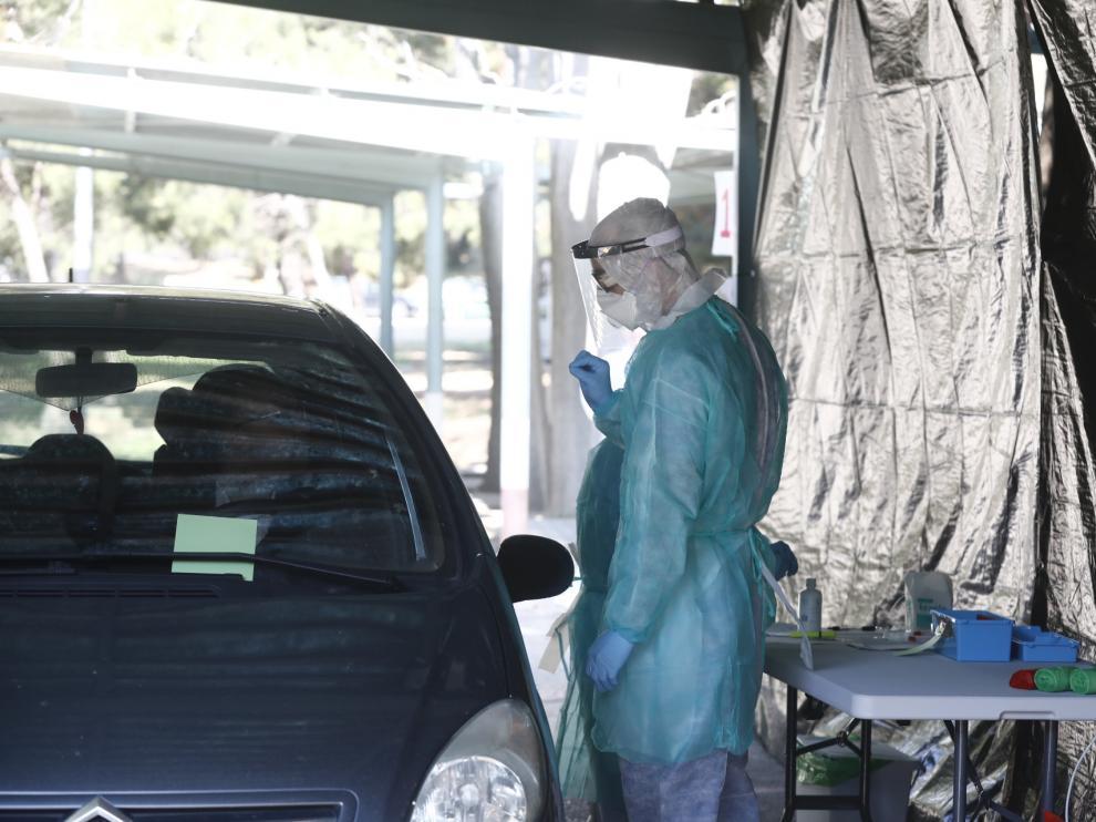 El Hospital Militar de Zaragoza inicia las pruebas de coronavirus sin bajar del coche