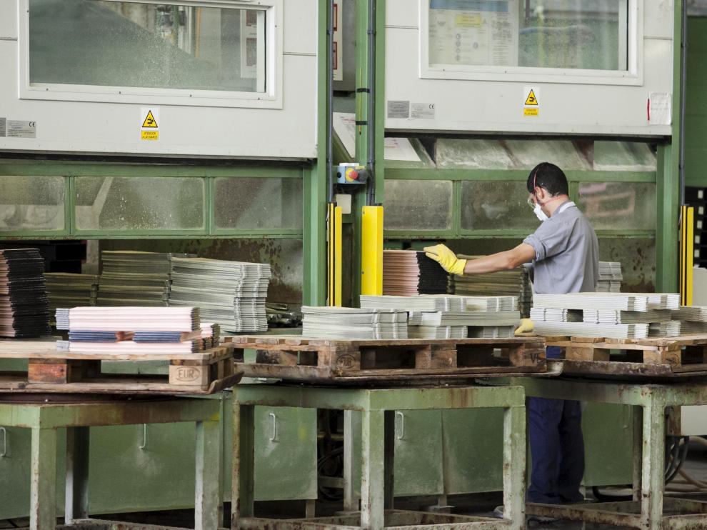 La industria, un sector muy afectado por los expedientes de empleo.