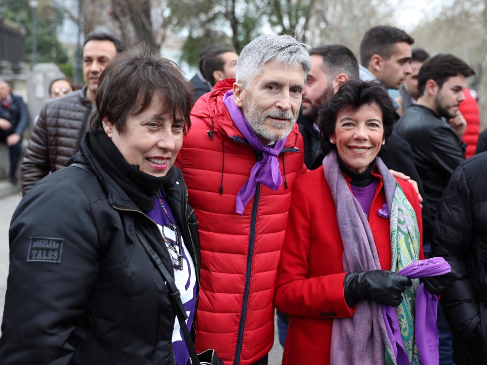 Isabel Celaá, junto a Grande Marlaska, en la manifestación del pasado 8-M, en Madrid