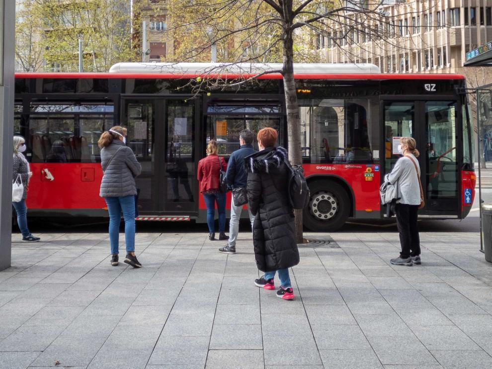 El bus urbano y el tranvía adaptarán sus frecuencias en Zaragoza a partir del lunes