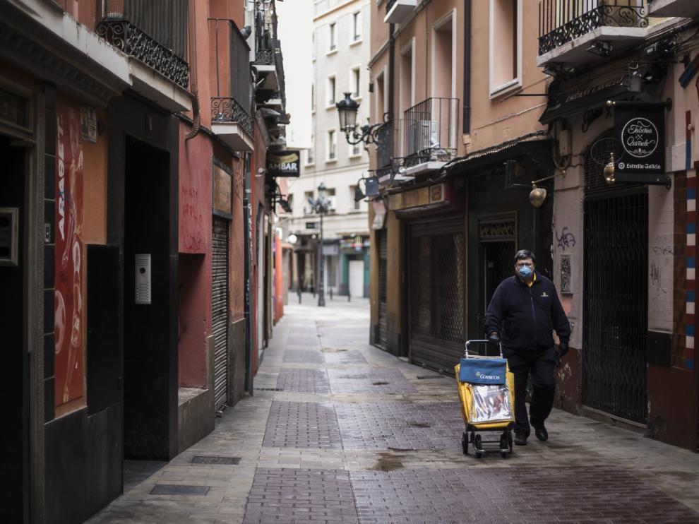 Cartero en el centro de Zaragoza.