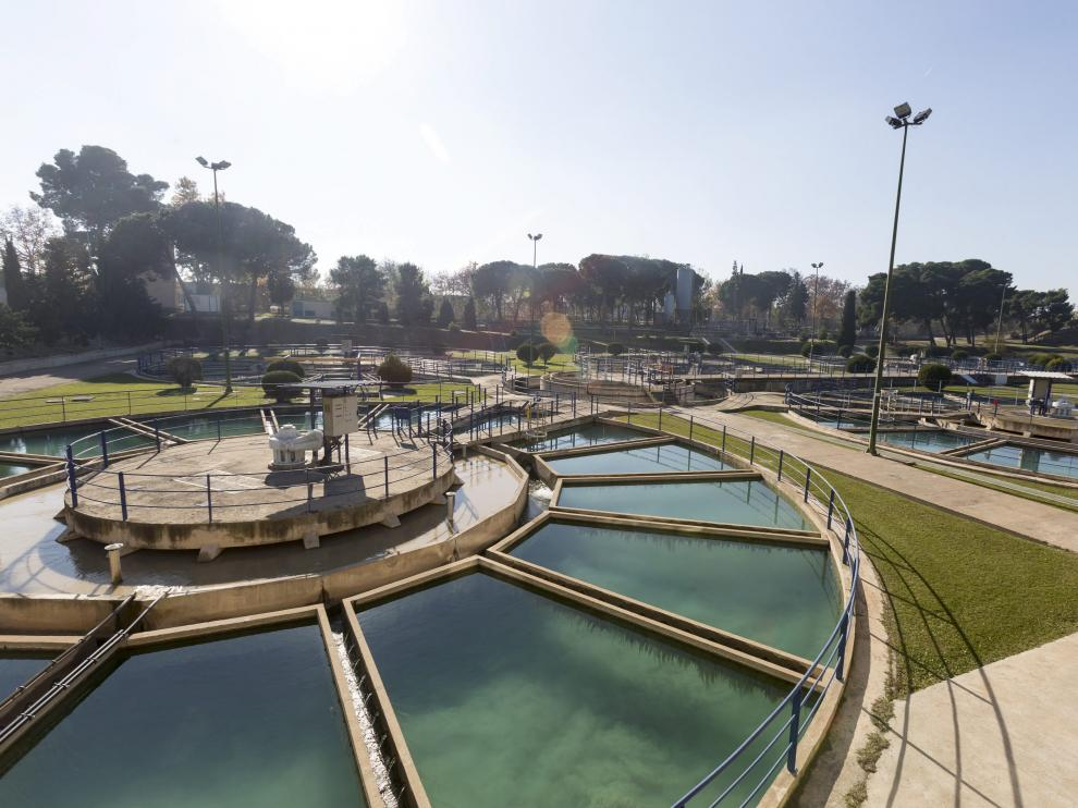 Planta potabilizadora de agua en el barrio de Casablanca en Zaragoza.