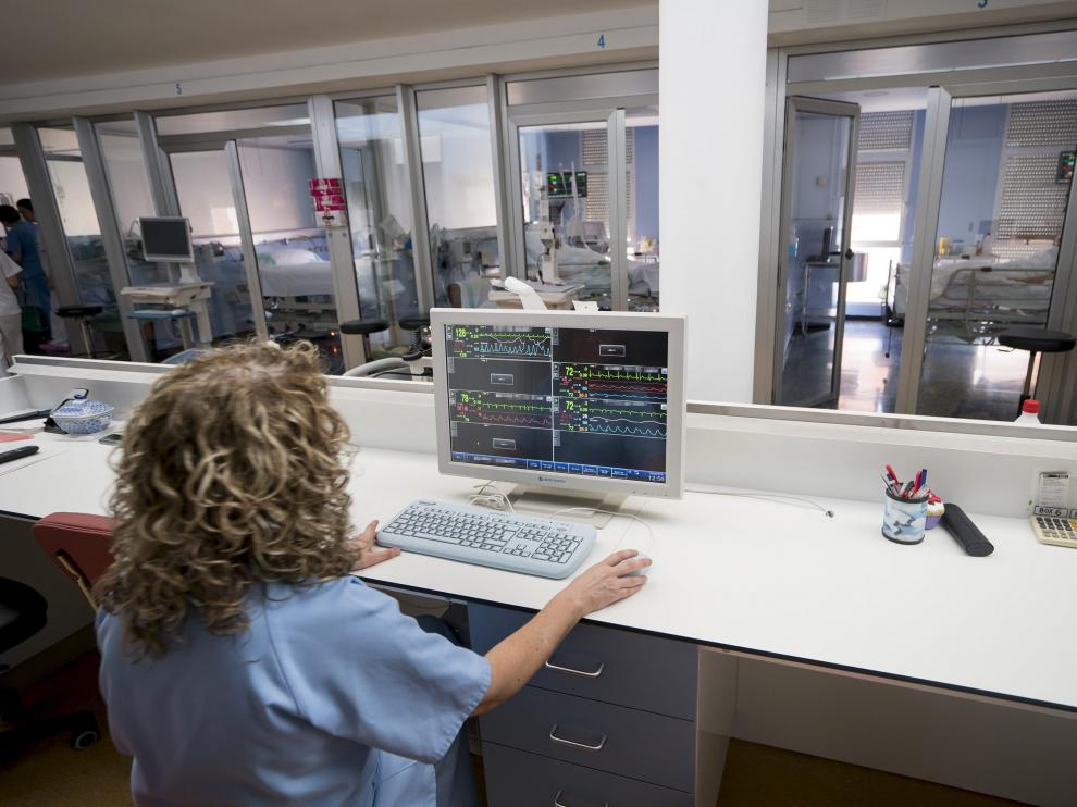 Nuevo sistema de minitorizacion en la UCI del Hospital Obispo Polanco de Teruel. Foto Antonio Garcia/Bykofoto 04-03-16. [[[HA ARCHIVO]]]