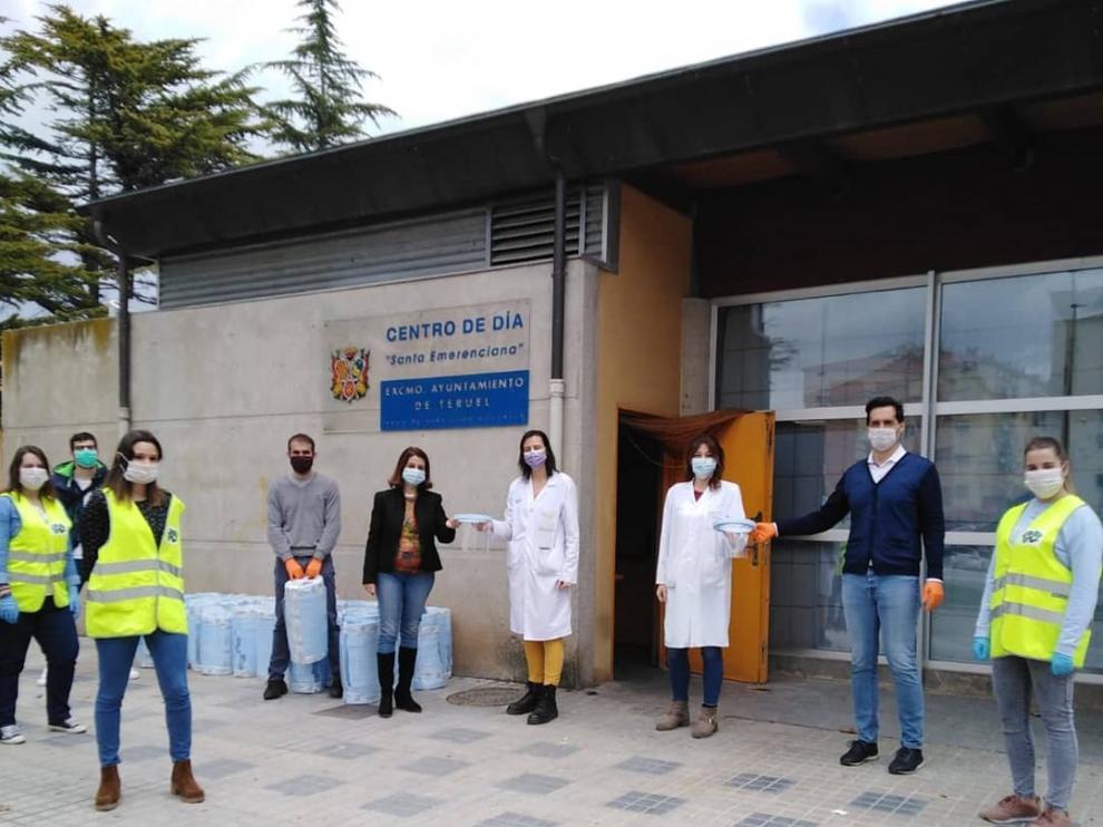 Donación de material contra el coronavirus en el centro de operaciones de 'Aislados pero no solos'.
