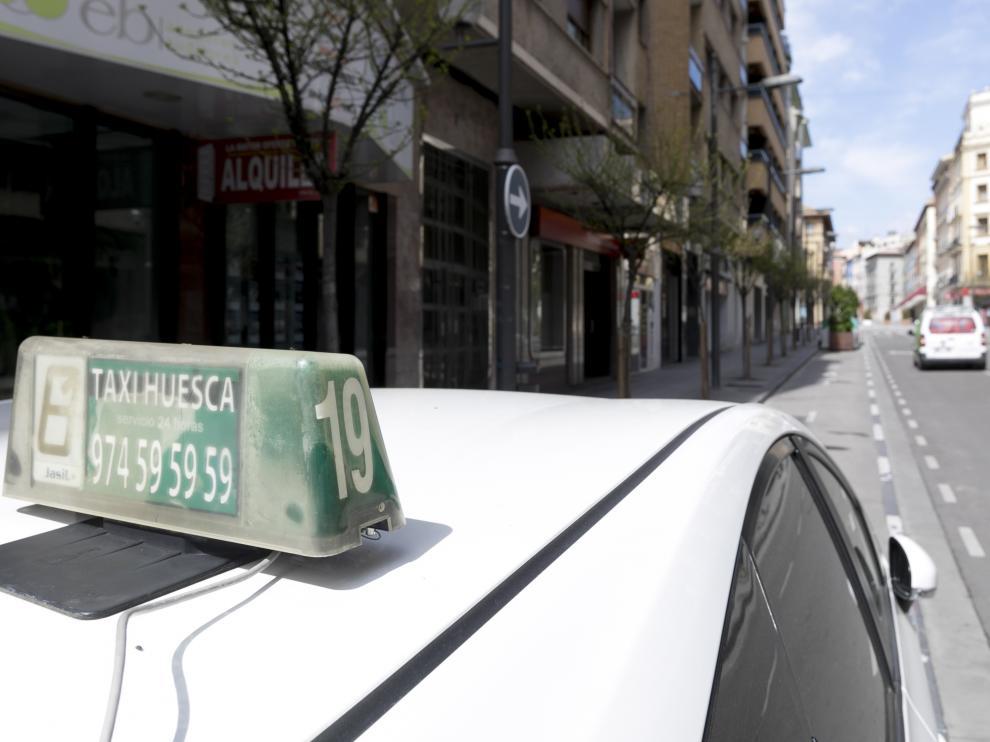Parada de taxis de la calle Zaragoza / 27-03-2020 / Foto Rafael Gobantes [[[FOTOGRAFOS]]]