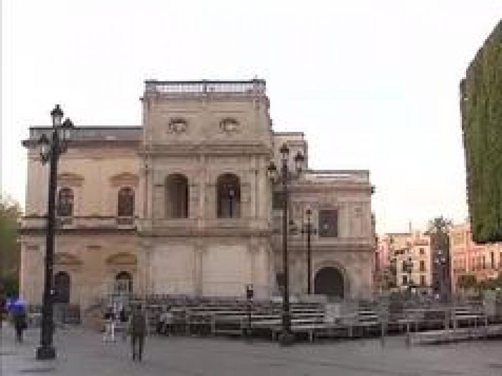 El sector turístico es uno de los más afectados por el coronavirus. Hoteles y restaurantes, cerrados y los trenes que debían llevar ya a las ciudades a los primeros turistas de las vacaciones están vacíos. El sector calcula unas pérdidas, de momento, de 25.000 millones de euros.