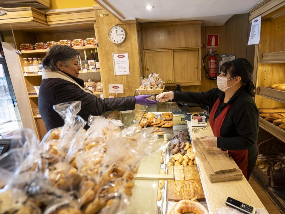 Panaderia de Horno Sanz en la calle San Juan de Teruel. Foto Antonio Garcia/Bykofoto. 27/03/20 [[[FOTOGRAFOS]]] [[[HA ARCHIVO]]]