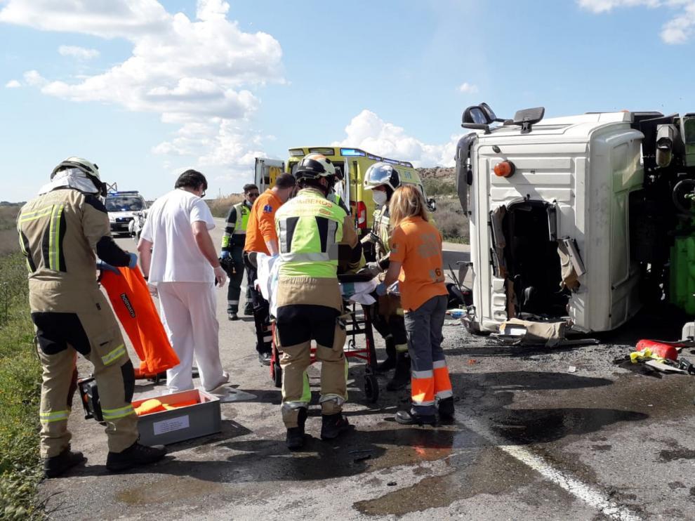 Herido un camionero en un accidente en la carretera N-II, a la altura de Pina de Ebro