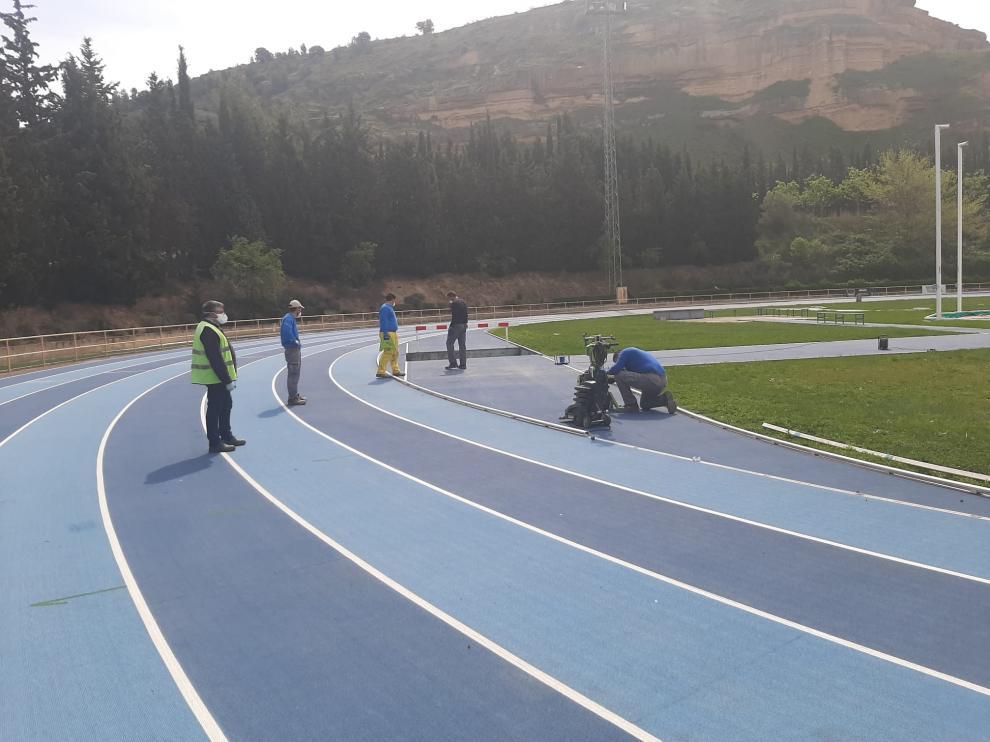 Inician las obras en la pista de atletismo de Monzón
