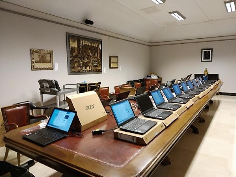 El Ayuntamiento de Huesca reforzó sus medios telemáticos para habilitar el teletrabajo.