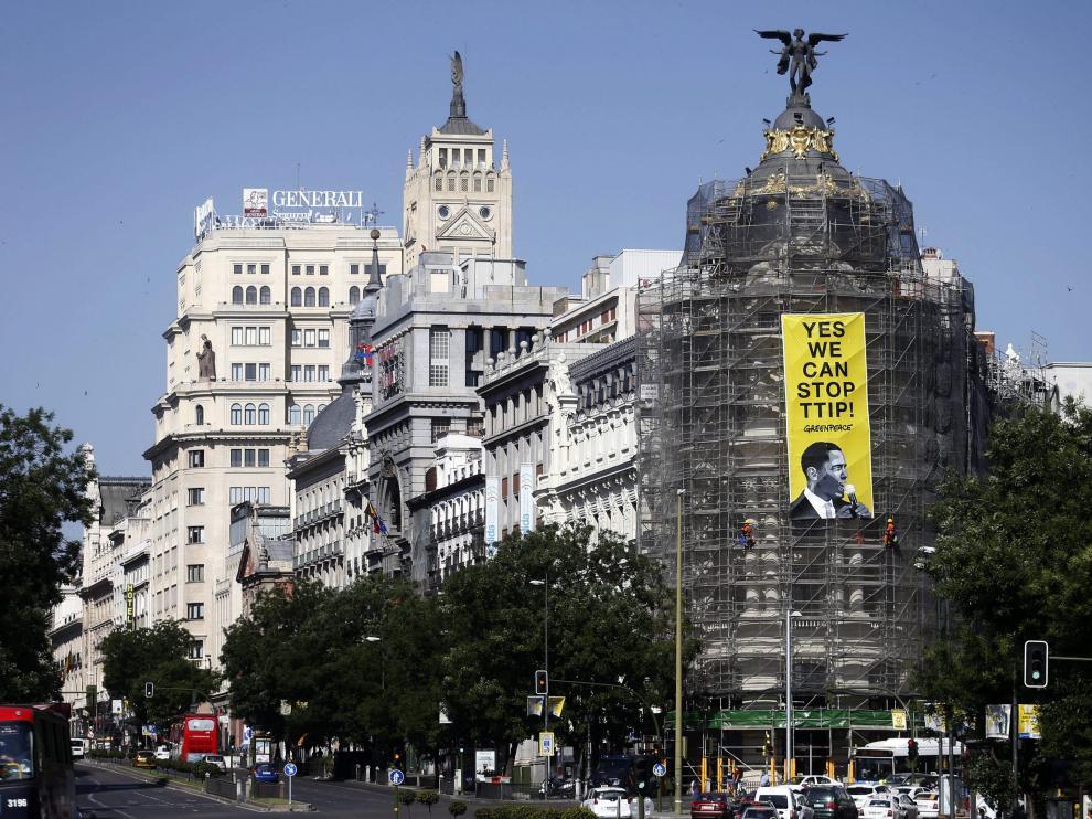 Imagen de archivo de una pancarta de Greenpeace en el centro de Madrid.