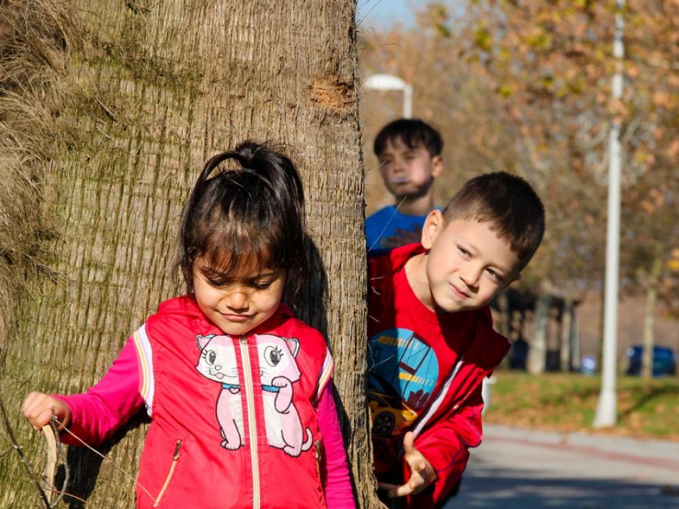 Niños jugando, imagen de archivo.