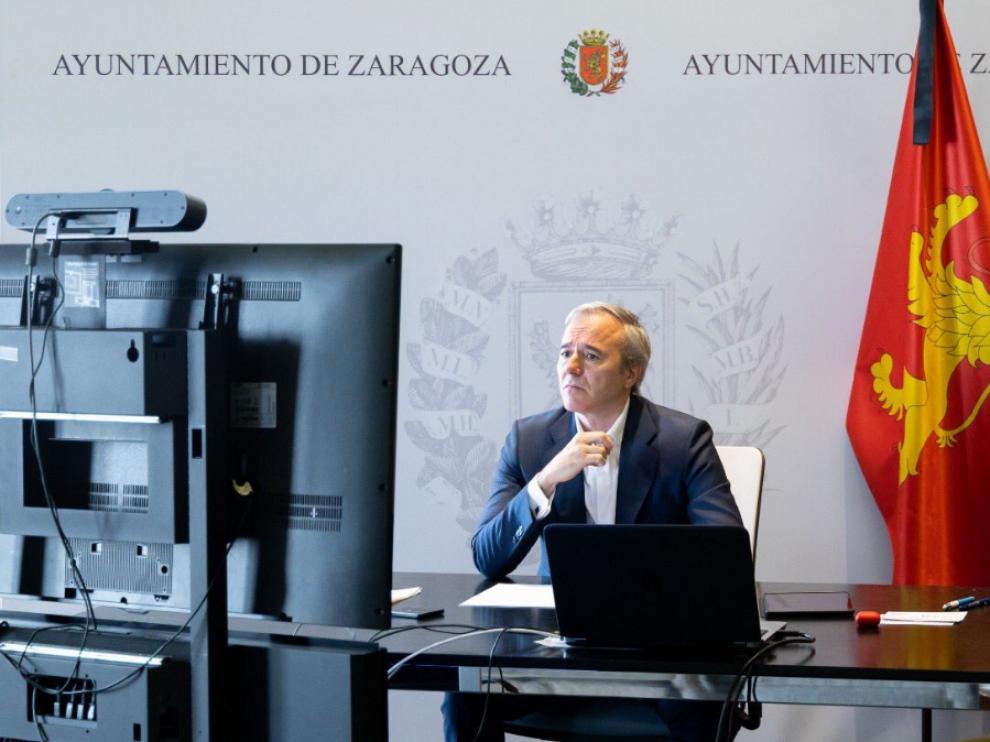 Jorge Azcón en la reunión telemática con Salvador Illa.
