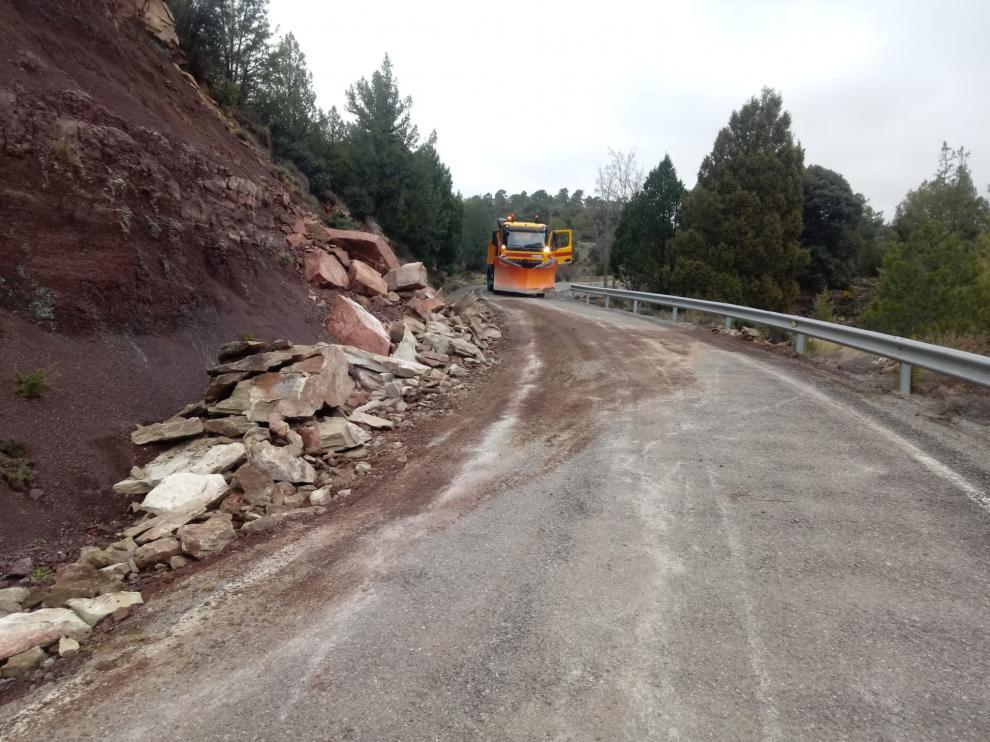 Reparación de un desprendimiento sobre carreteras de la Diputación Provincial de Teruel.