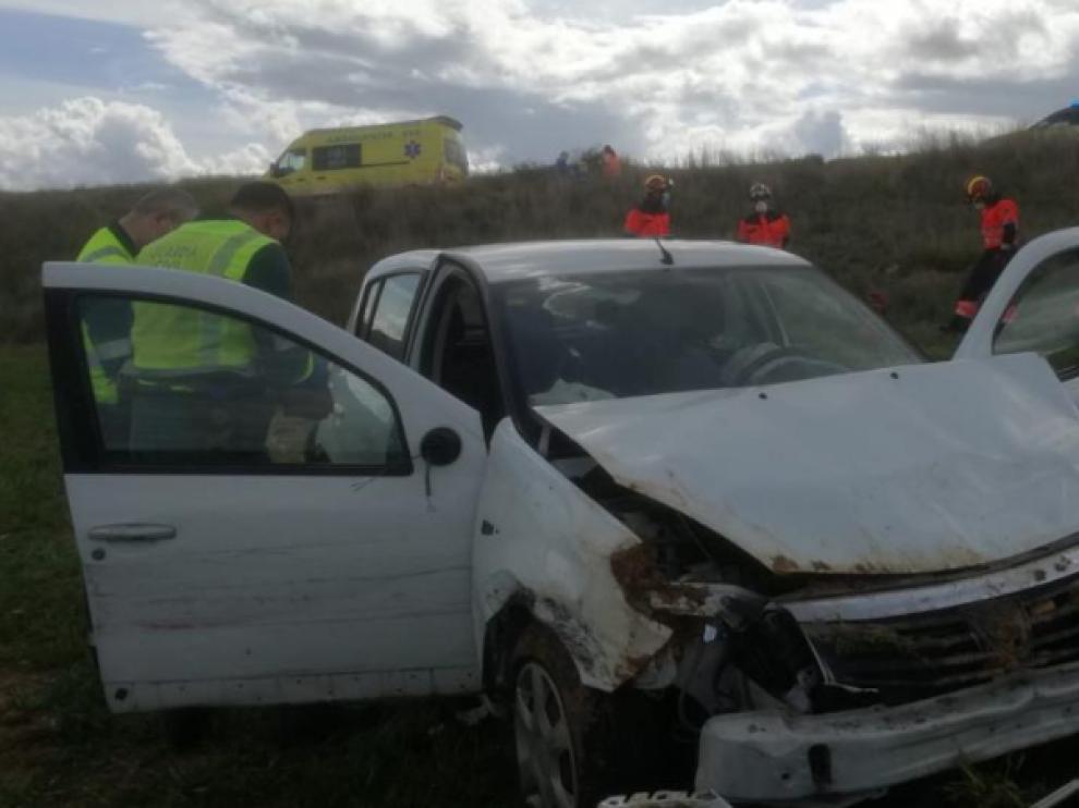 Muere un hombre de 80 años al salirse de la carretera su coche entre Alfambra y Santa Eulalia