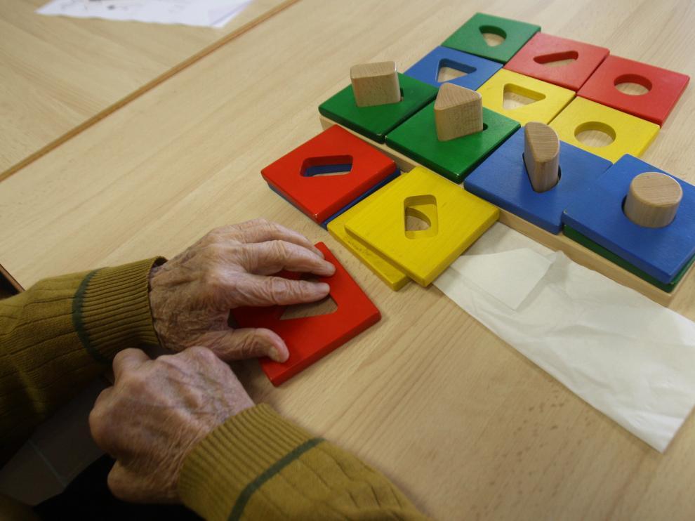 La enfermedad de alzhéimer va vinculada a la edad. En Aragón hay unos 35.000 enfermos.