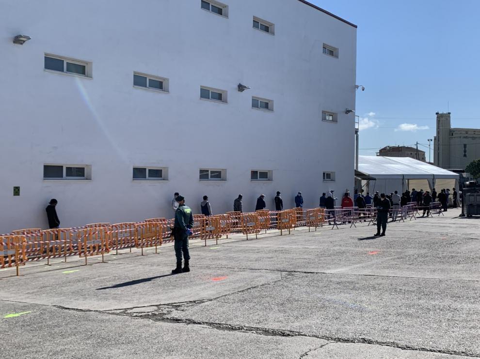 Los trabajadores del matadero de Fribin, en Binéfar, se han sometido este martes a test de coronavirus.