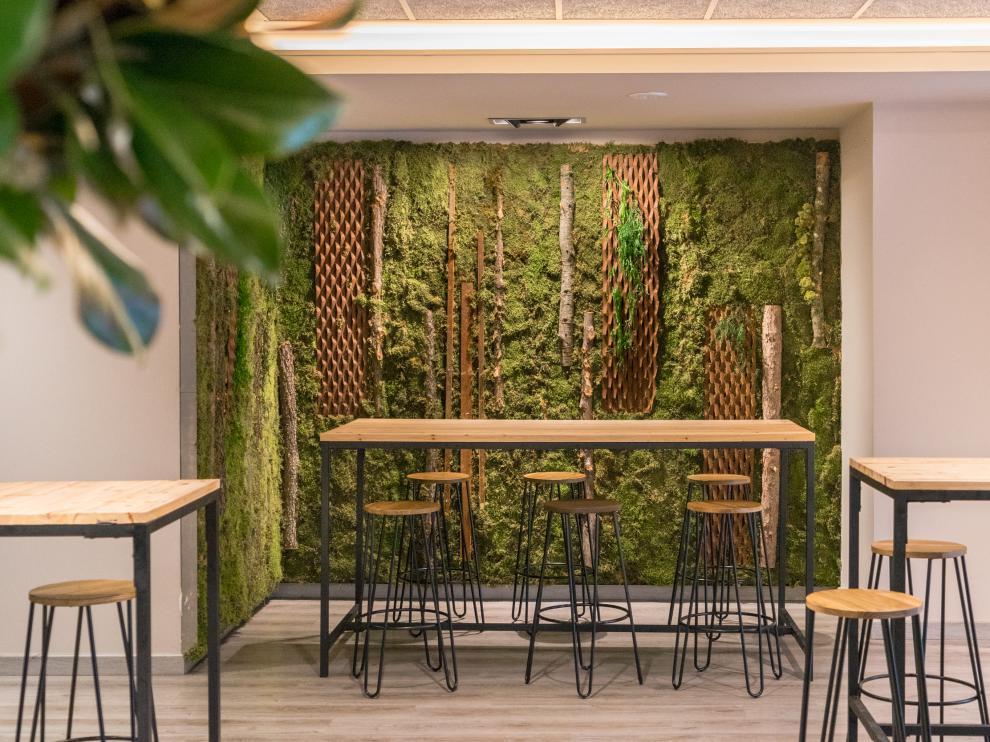 Jardin vertical restaurante Luces de Varela en Zaragoza