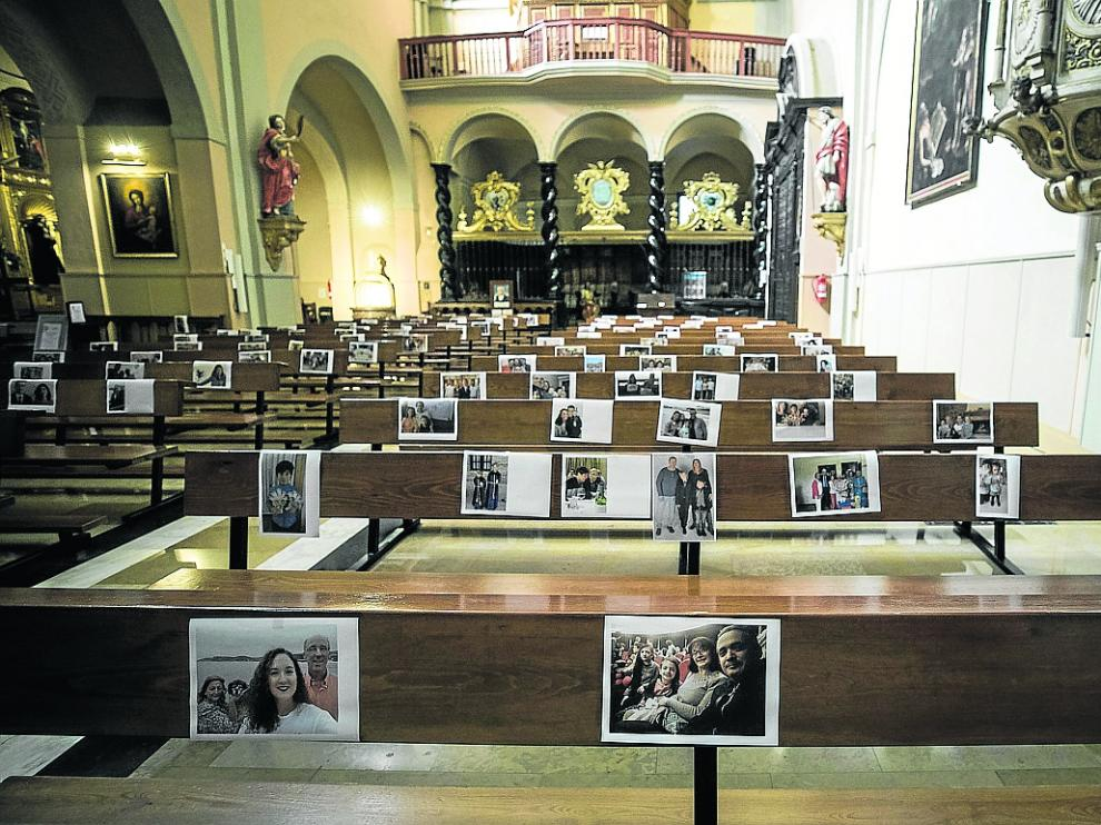 Los fieles de San Miguel de los Navarros enviaron sus imágenes para llenar los bancos