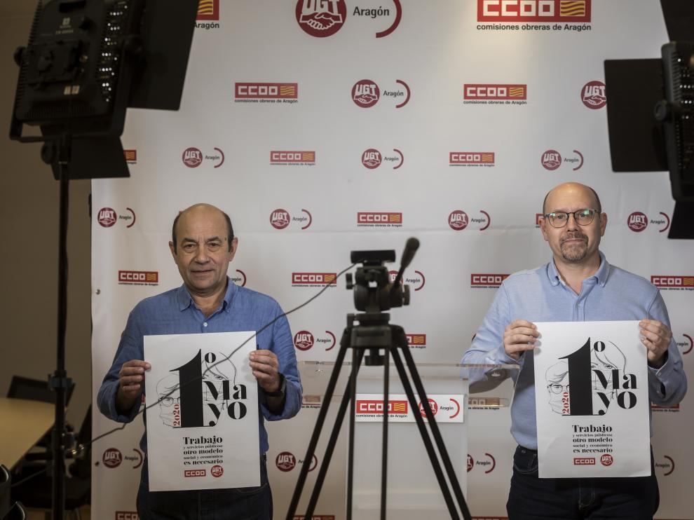 Daniel Alastuey (UGT) y Manuel Pina (CC. OO.),, ante las cámaras para celebrar el 1º de Mayo.