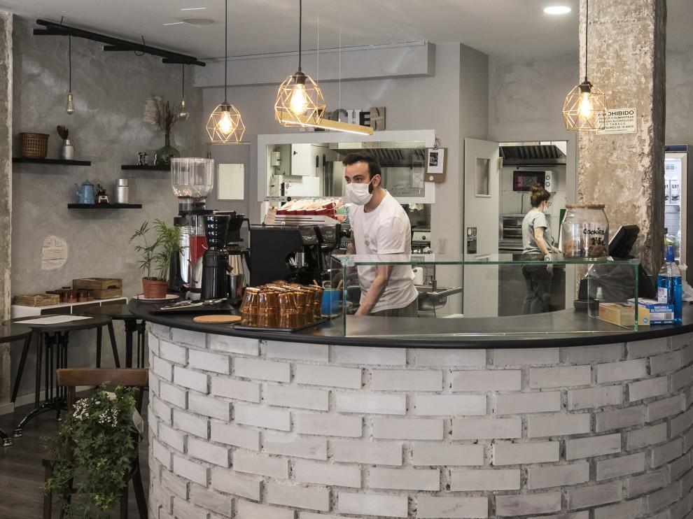 Apertura de comercios en Zaragoza, cafetería Elio%Coco