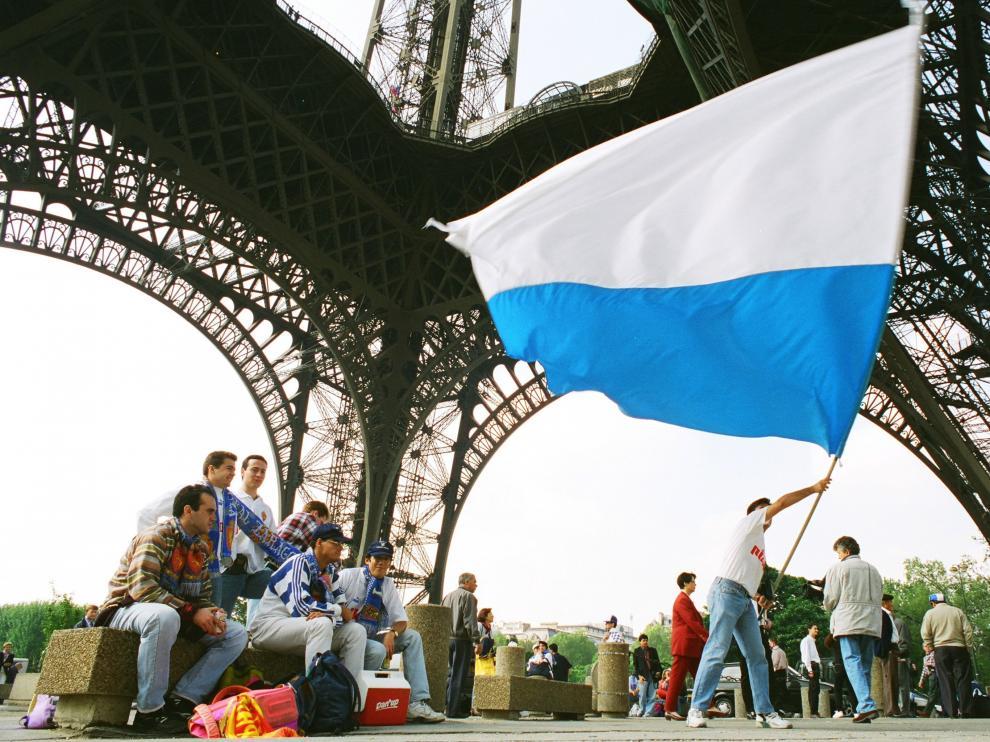 REAL ZARGOZA FINAL COPA UEFA EN PARIS /1995/ ARCHIVO HERALDO/ [[[HA ARCHIVO]]] 54990087.jpg