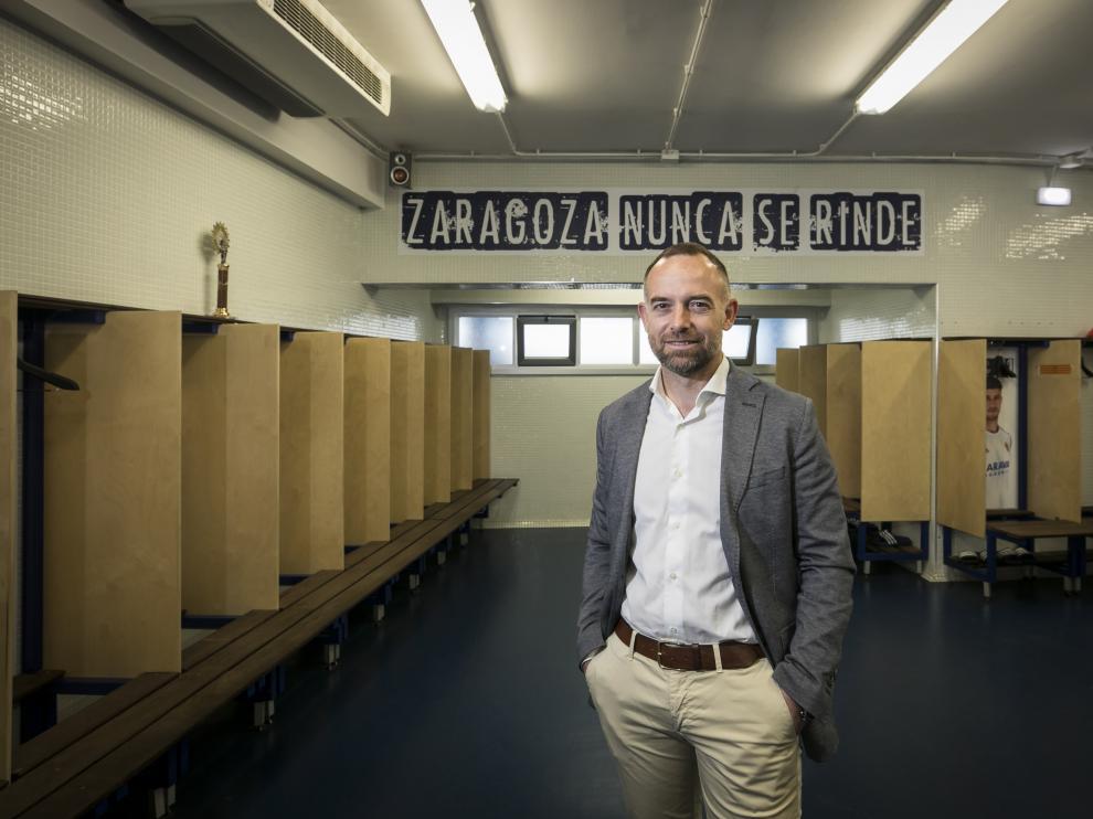 Christian Lapetra, presidente del Real Zaragoza, en el vestuario de La Romareda.