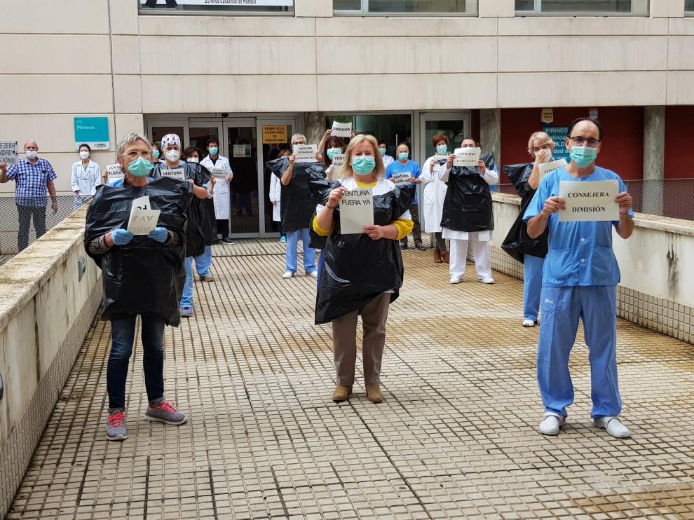 Los sindicatos médicos de Aragón piden a Lambán que cese a la consejera de Sanidad