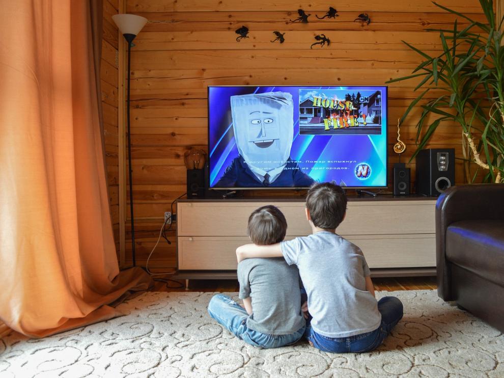 Existen multitud de películas ideales para ver en familia y que acercarán a los niños al apasionante mundo del cine.
