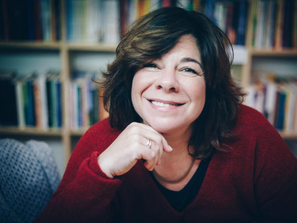 Lara López publica 'Derivas'.