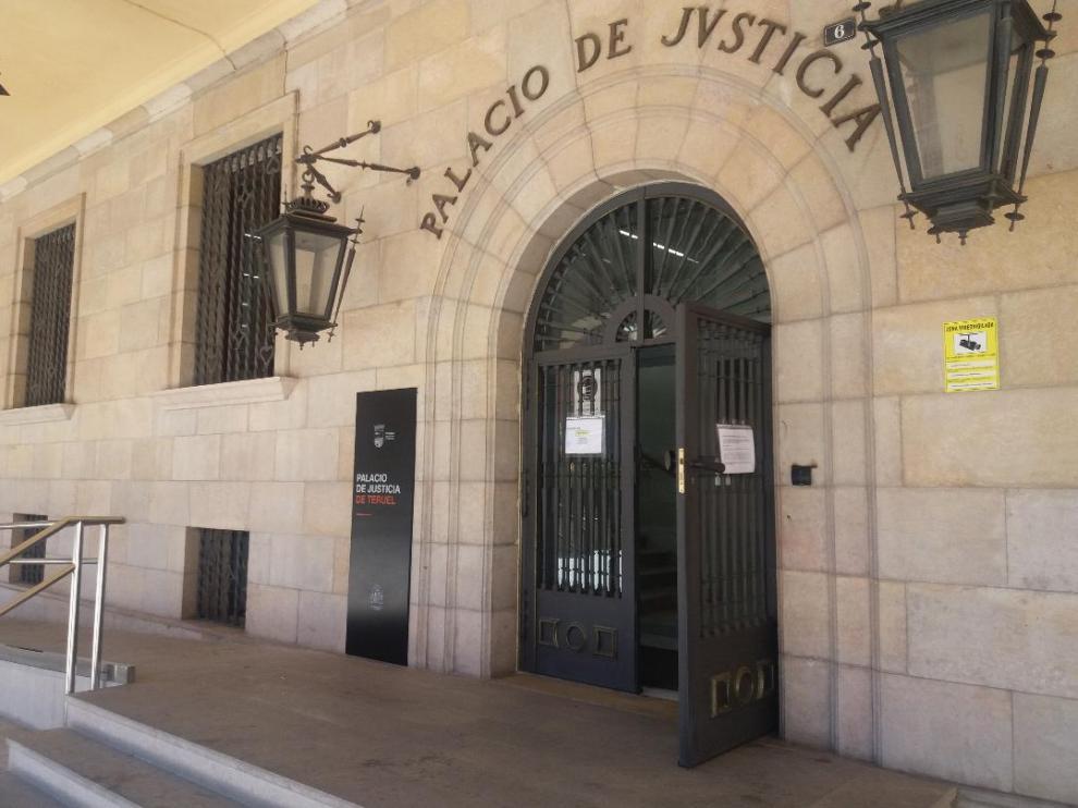Accesos a la Audiencia Provincial de Teruel.