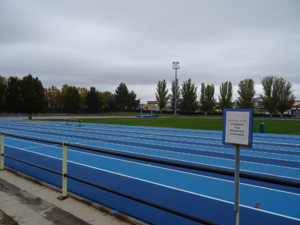 Pistas de atletismo de la ciudad deportiva de Huesca.