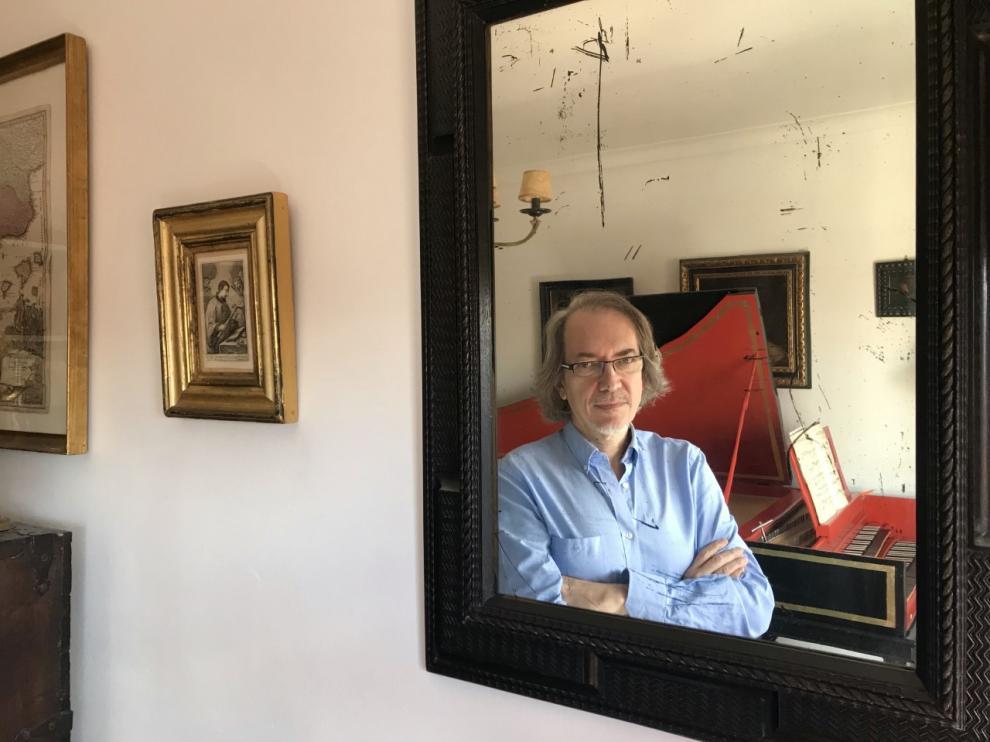Luis Antonio González Marín. 'Diálogos en cautividad'.