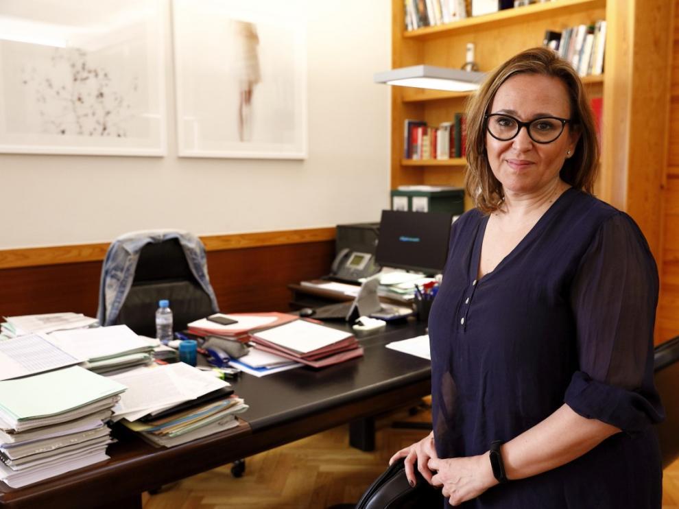 La consejera de Presidencia, Mayte Pérez, en su despacho del Pignatelli.