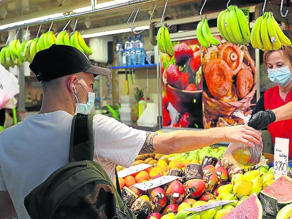Frutas y hortalizas son dos de los productos al alza en la cesta.